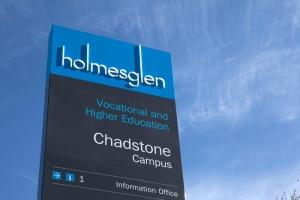 Holmesglen-002